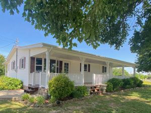 House & Barn – 7374 Short Mountain Hwy